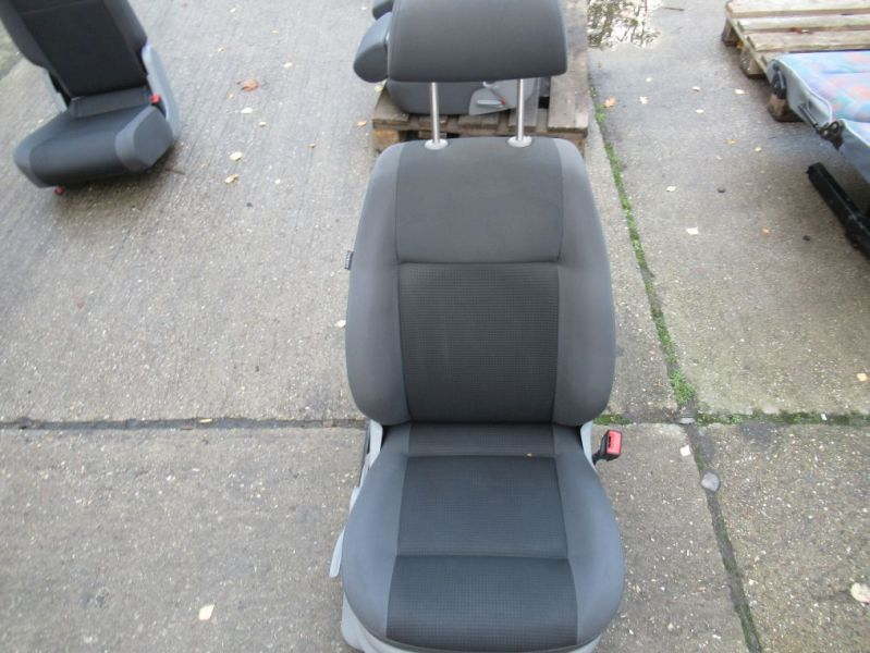 Sitz rechts vorn grau mit SitzheizungVW CADDY III KOMBI (2KB, 2KJ, 2CB, 2CJ) 2.0