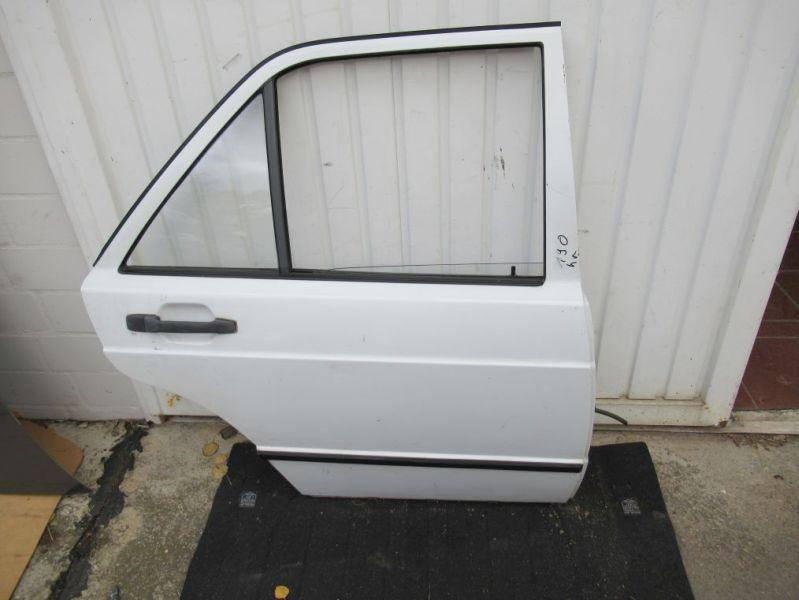 Tür rechts hinten weißMERCEDES-BENZ 190 (W201) 2.3 E