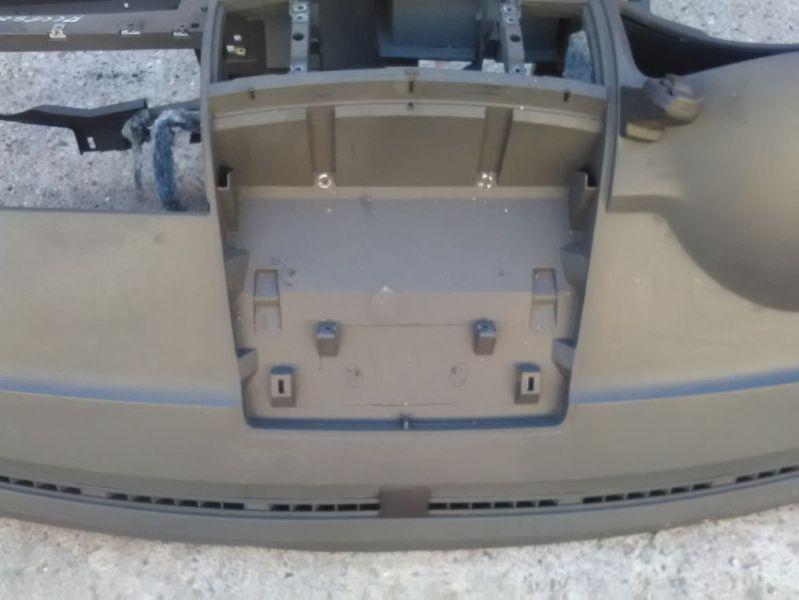 Armaturenbrett schwarzVW MULTIVAN V (7HM, 7HN, 7HF, 7EF, 7EM, 7EN
