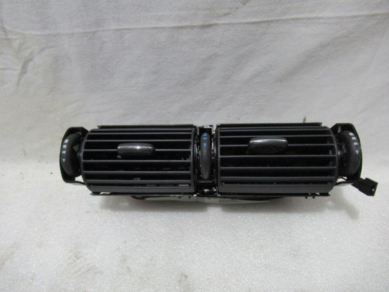 Luftdüsengehäuse MitteMERCEDES-BENZ C-KLASSE (W203) C 180
