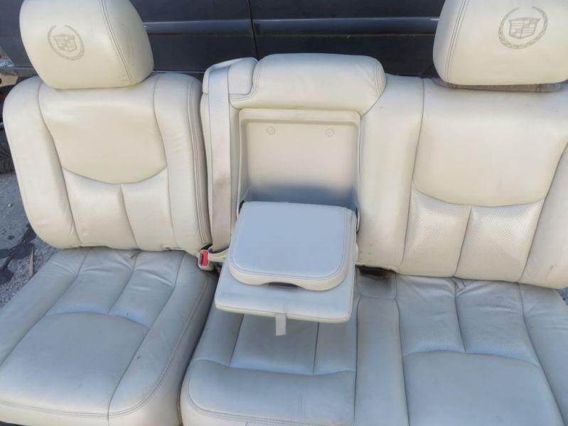 Sitzbank 2. Reihe Leder klappbar RückbankCADILLAC ESCALADE GMT-800 6.0 4X4