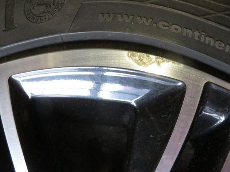 Komplettrad:235/40R18 95W Auf Aluminiumfelge 8JX18 H2 ET44 LK5X112X57,11Satz(je4Stück)